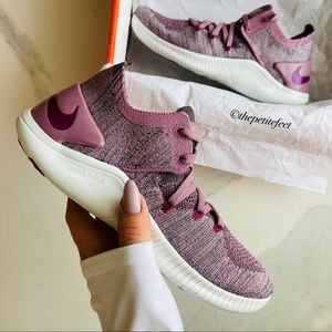 NWT Nike free trainers flyknit
